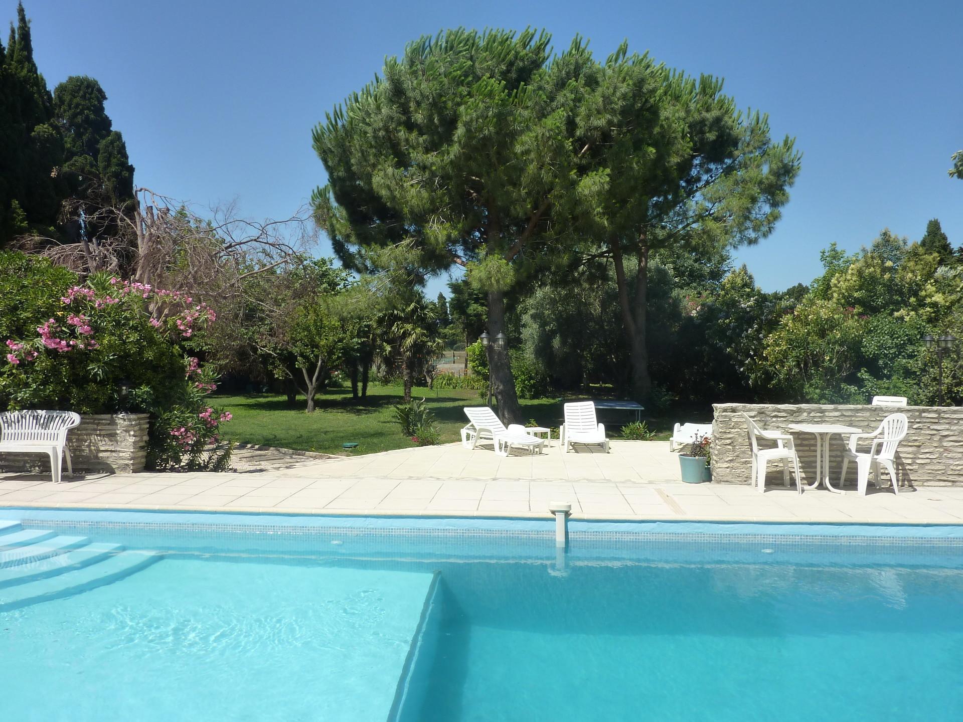 colocation dans maison avec 4 chambres piscine jardin 10. Black Bedroom Furniture Sets. Home Design Ideas