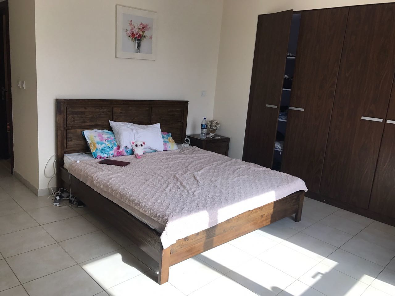master-bedroom-walking-minutes-to-business-bay-metro-station-4c69305679f9e42693060271b9ff6a31