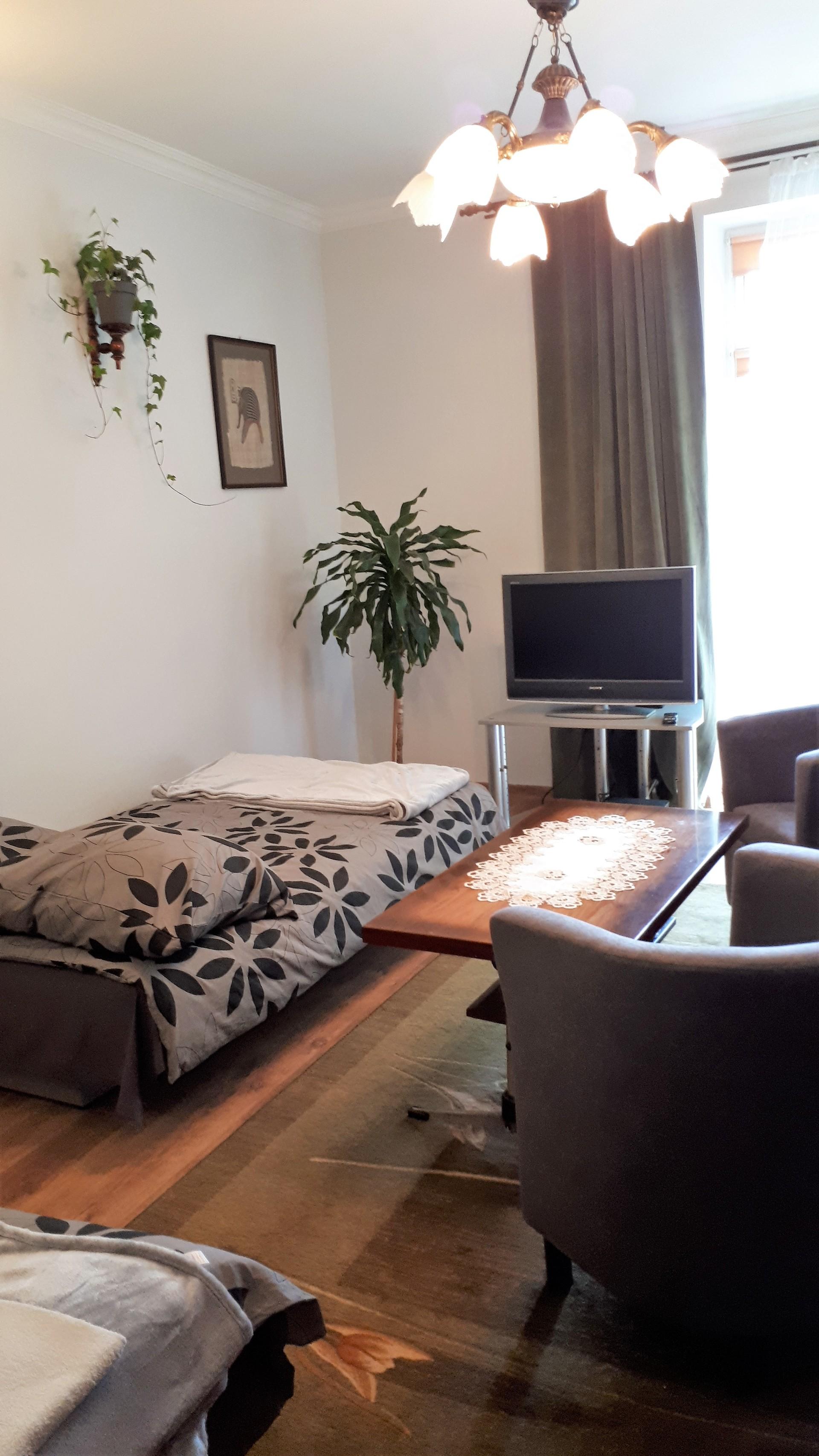 Mieszkanie 2 Pokojowe Przestronne Pomieszczenia W Rdmieciu