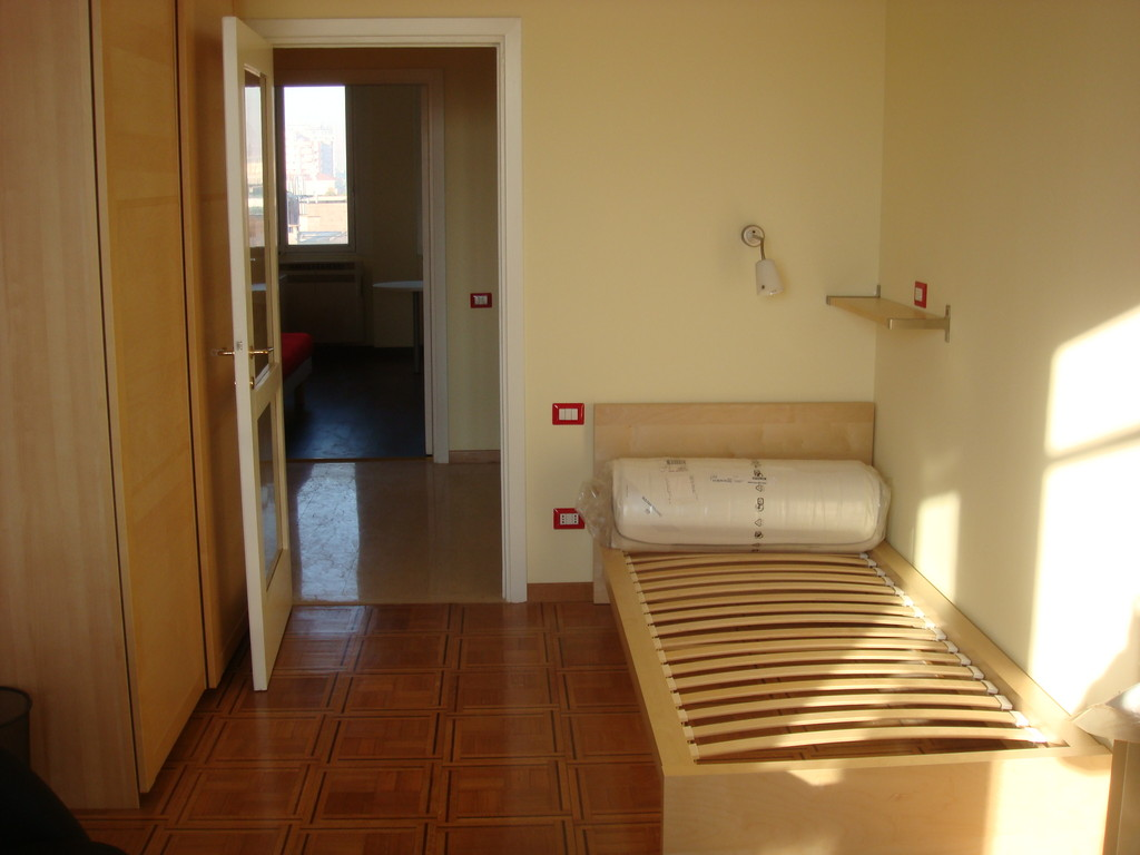 Milan   Smart Apartment   3 Independent Rooms For Rent ...