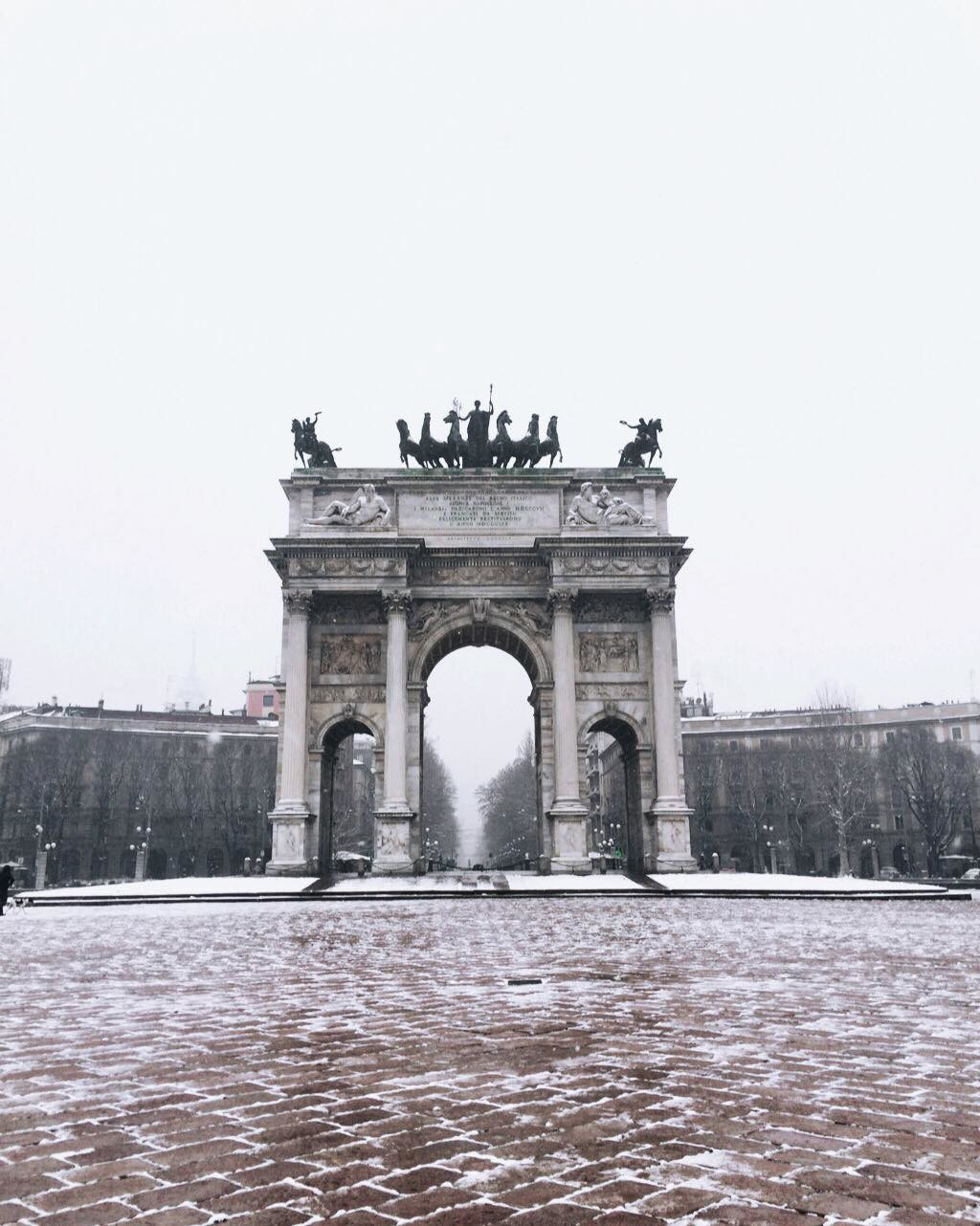 milan-snow-47d2bda11cfafc228b43a365537ac