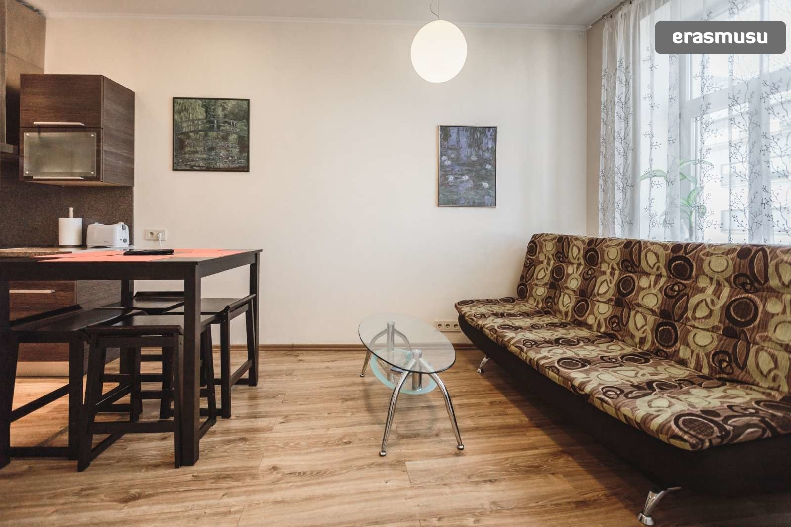 modern-2-bedroom-apartment-rent-grizinkalns-58b41089bfbe5b52c6e5