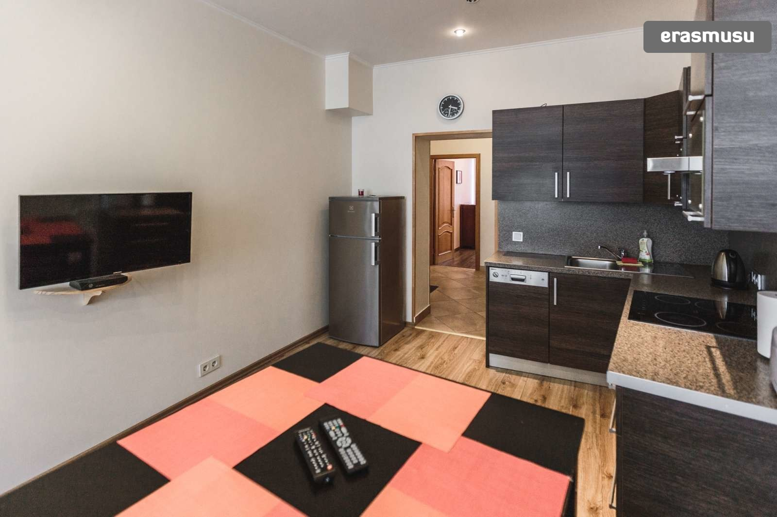 modern-2-bedroom-apartment-rent-grizinkalns-6b35632c90282785eb49