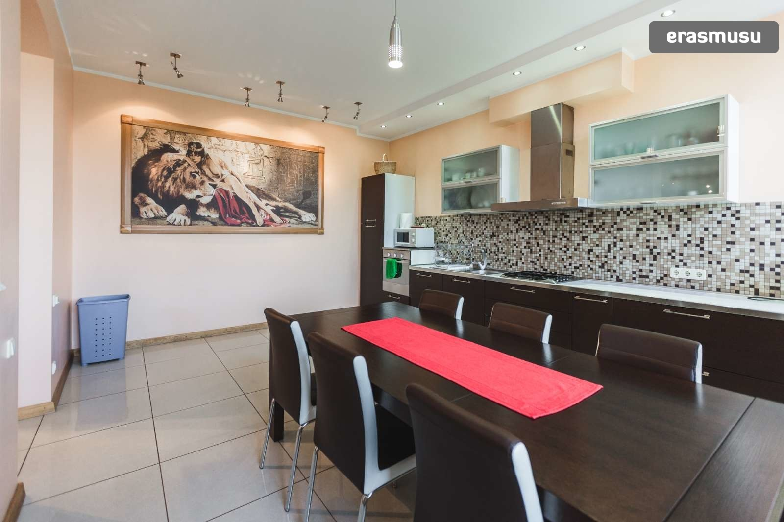 modern-4-bedroom-apartment-rent-centrs-0b9aa309e8d0230943ef610b3