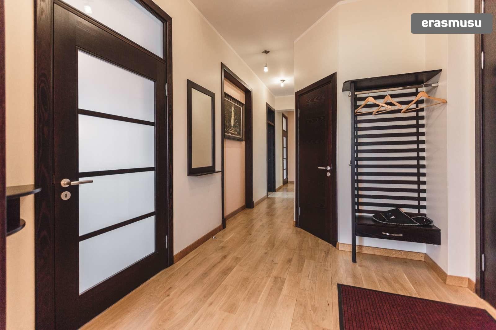 modern-4-bedroom-apartment-rent-centrs-0ccb60c22c8ecfc665c7dd5f9