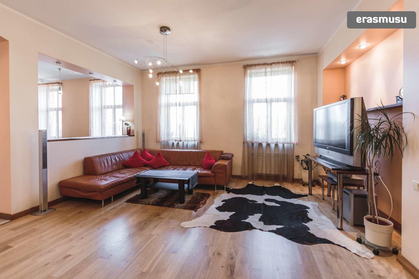 modern-4-bedroom-apartment-rent-centrs-c48e507a42222c810b21a911f