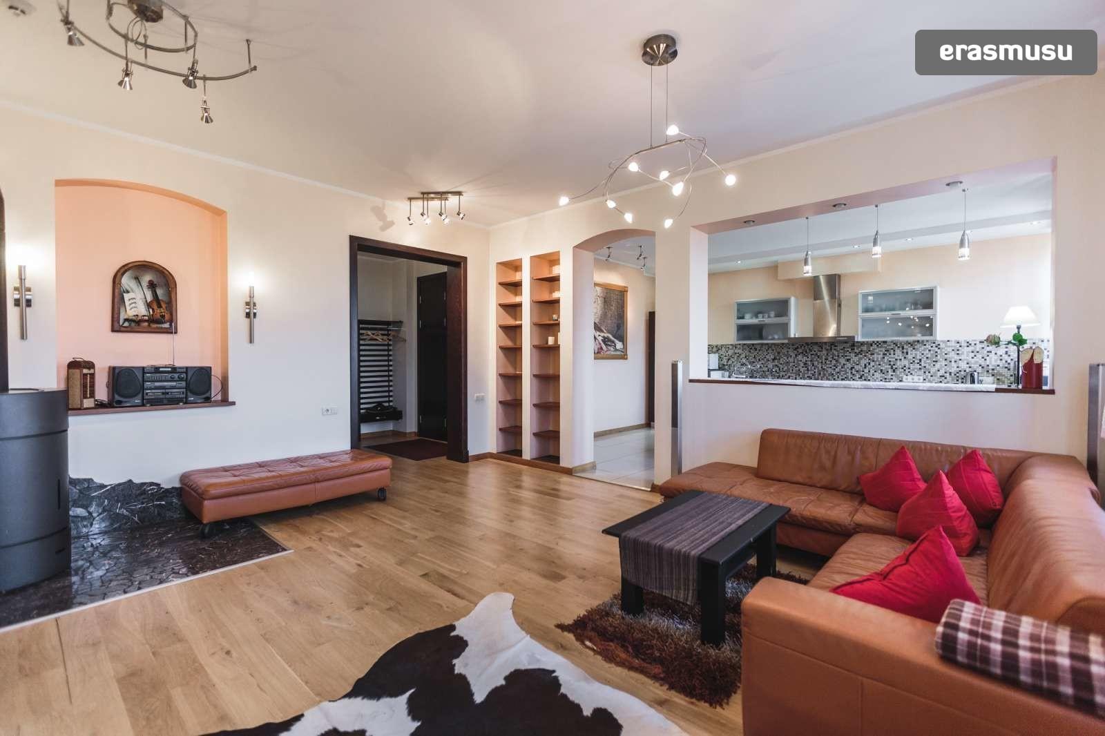 modern-4-bedroom-apartment-rent-centrs-ca4e89e3d4998f7e02a832fbc