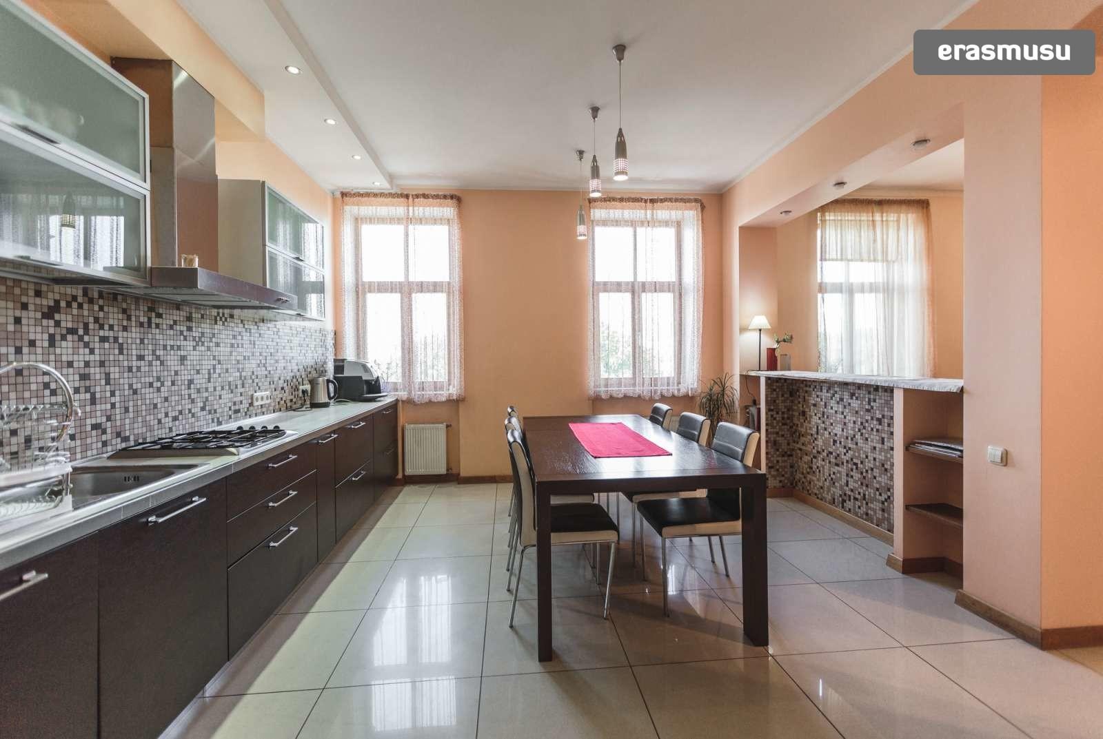 modern-4-bedroom-apartment-rent-centrs-e339c64bc1d2d5407aab8cd7e