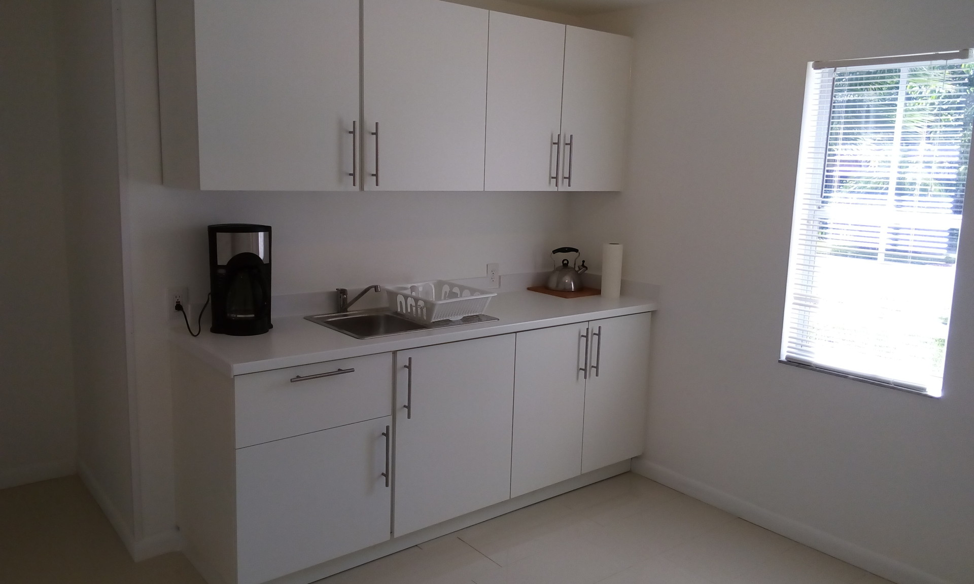 modern-apartment-in-miami-15-min-walk-fr