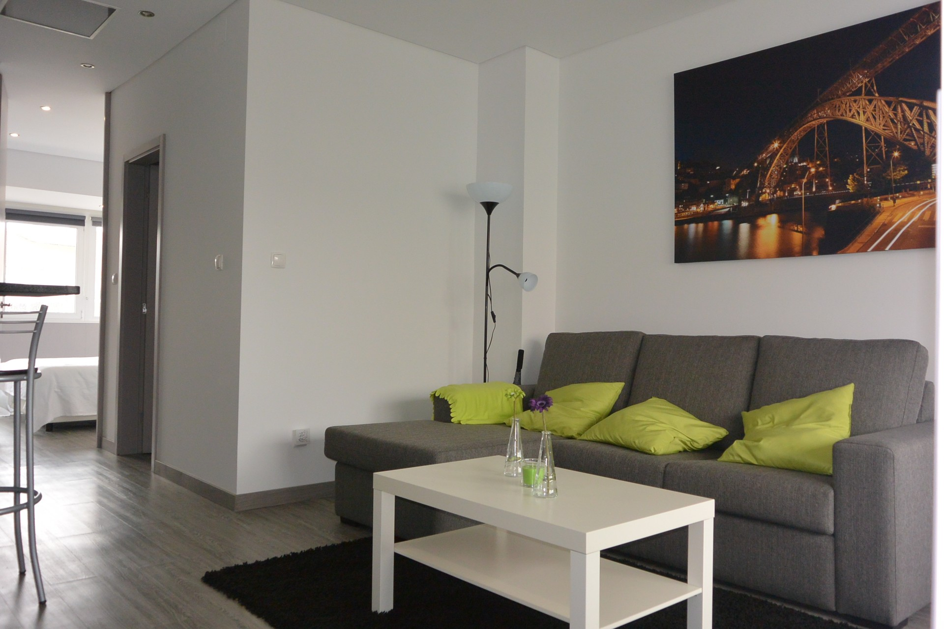 Modern one bedroom apartment in porto r alegria flat for Modern 1 bedroom apartments