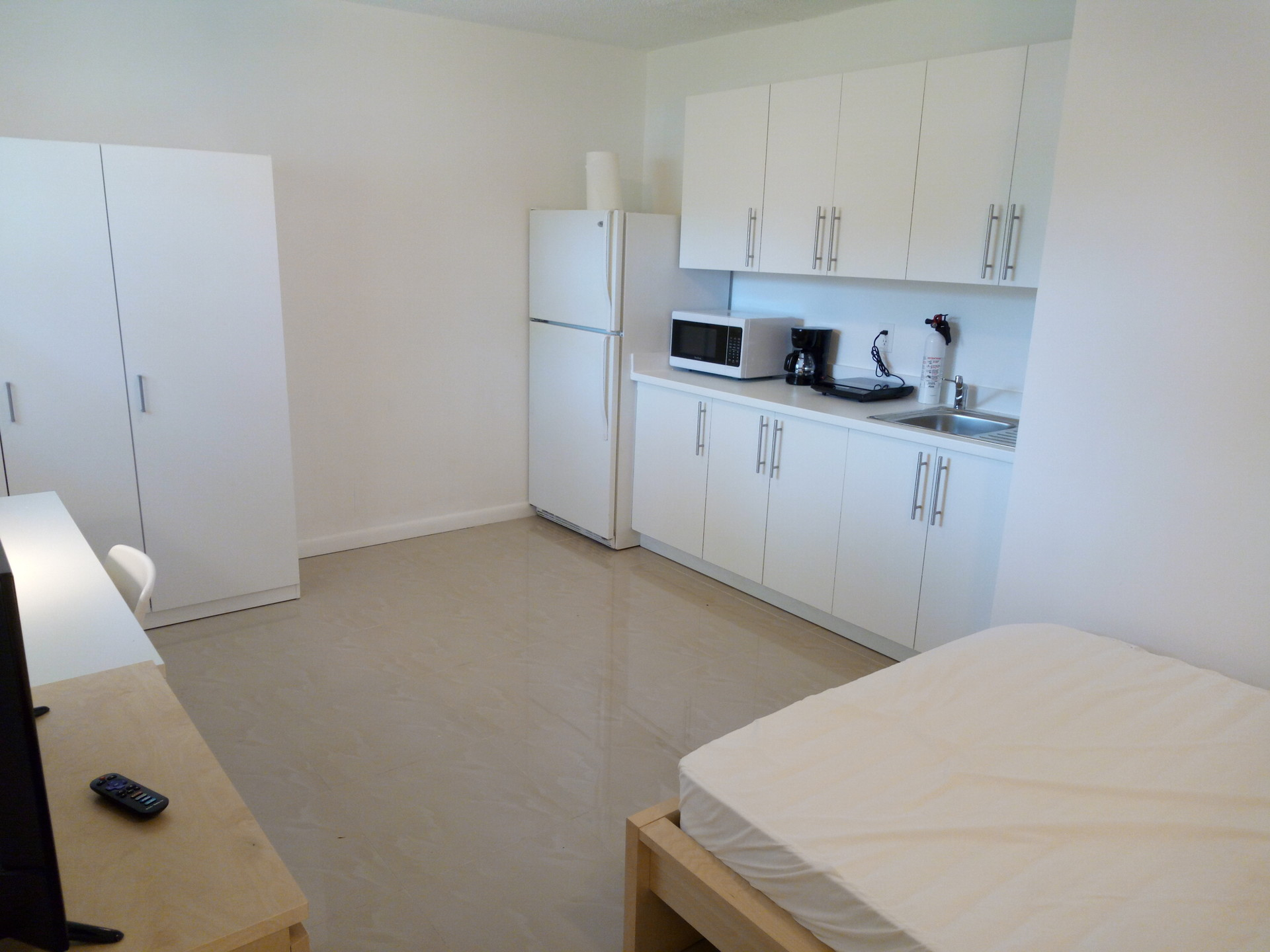 Modern Efficiency In South Miami 15 Min Walk From University Of