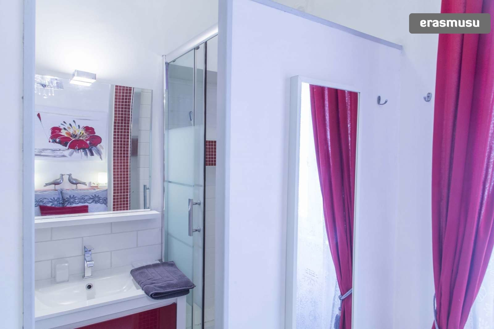 modern-luxurious-studio-apartment-rent-lyon-5d2e8b0f2cd28cfb64e7