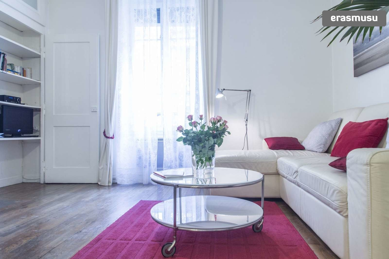 modern-luxurious-studio-apartment-rent-lyon-b3292f3b1a187f1b48ec