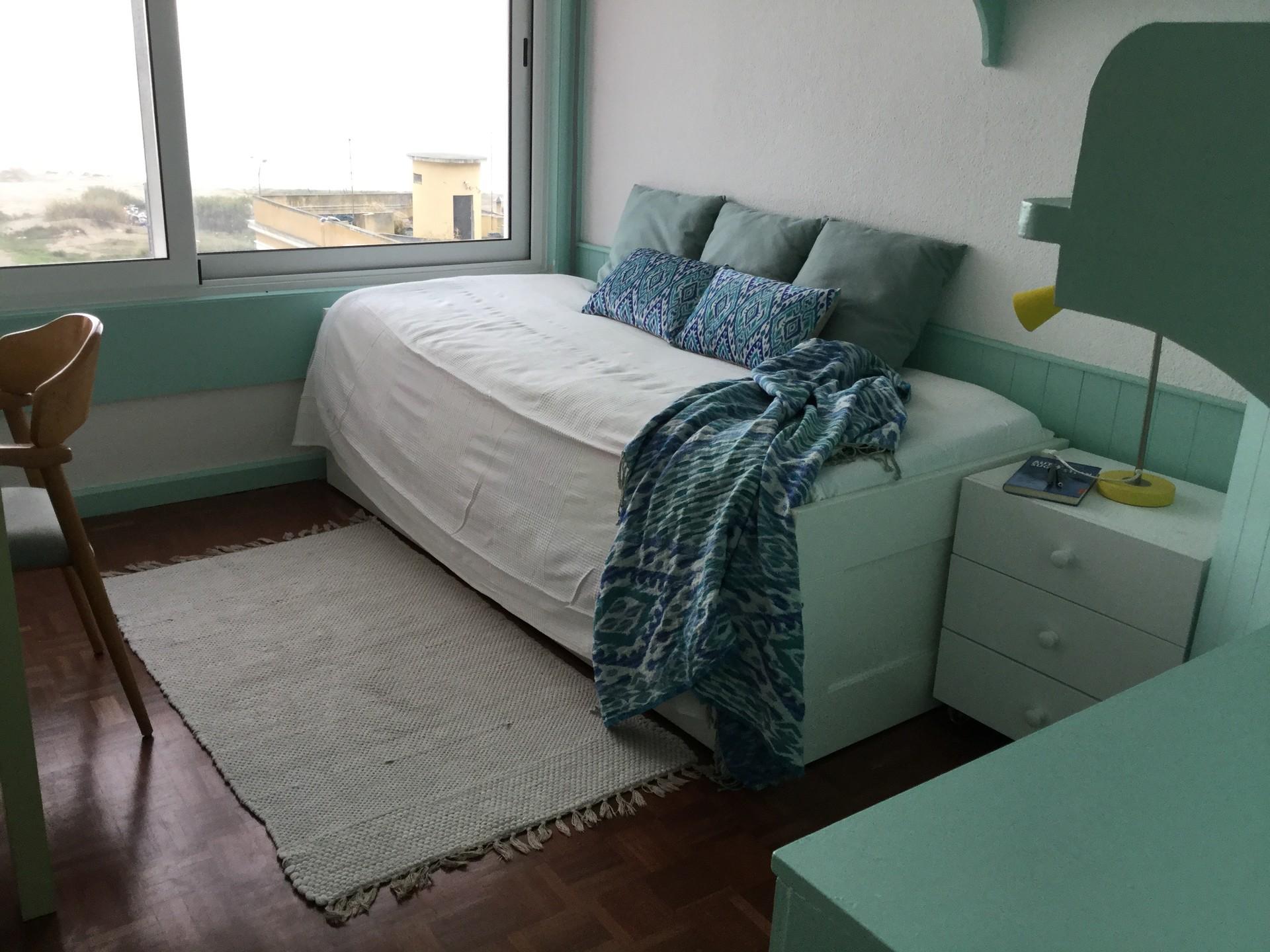 modern-room-apartment-river-view-b50802d0e2934f27da17df0ca01925eb
