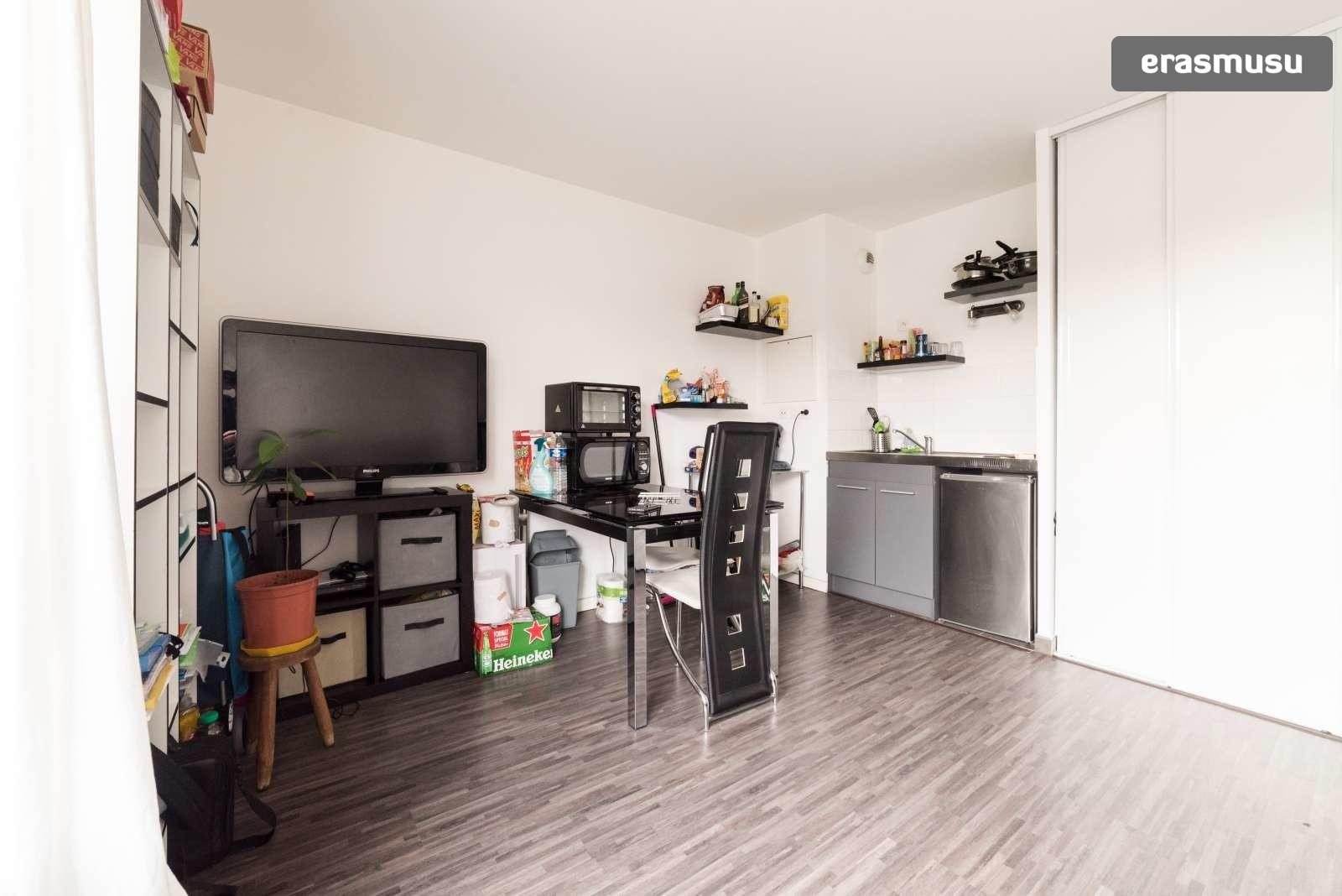 Modern studio apartment for rent in Creteil | Rent studios ...