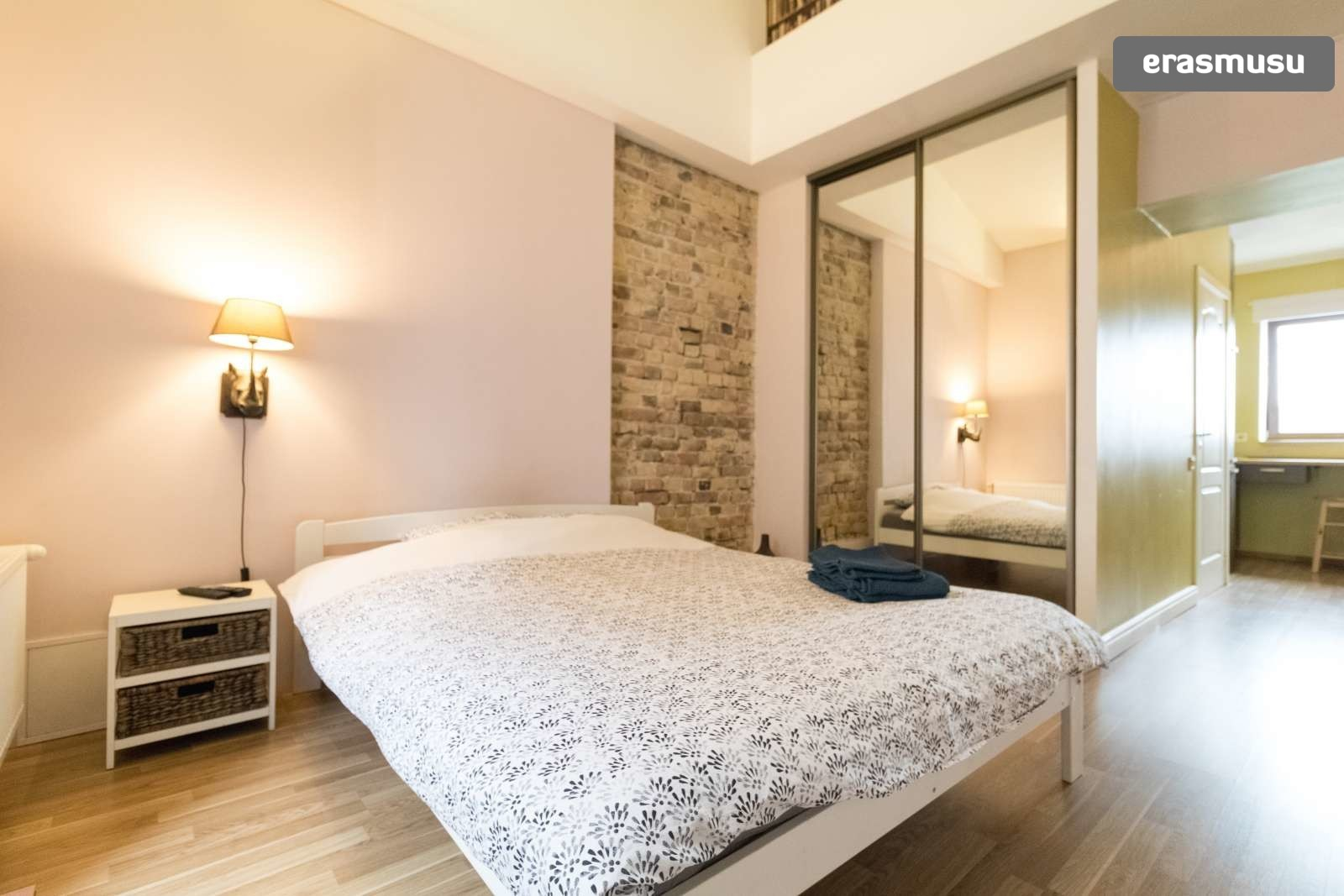 modern-studio-apartment-rent-maskavas-forstate-389a1893cb54a0206