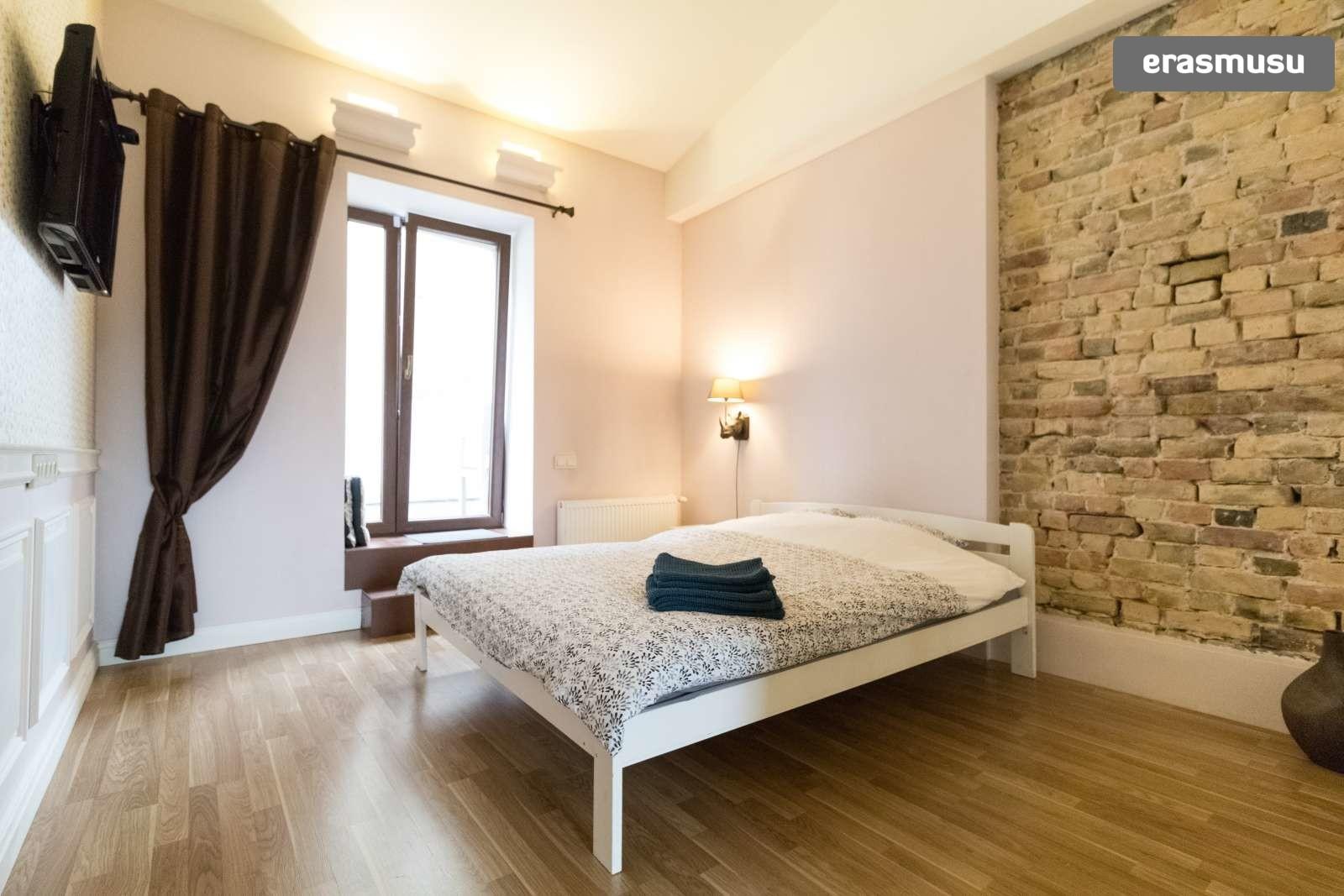 modern-studio-apartment-rent-maskavas-forstate-79bb2c9b8f3fbc269