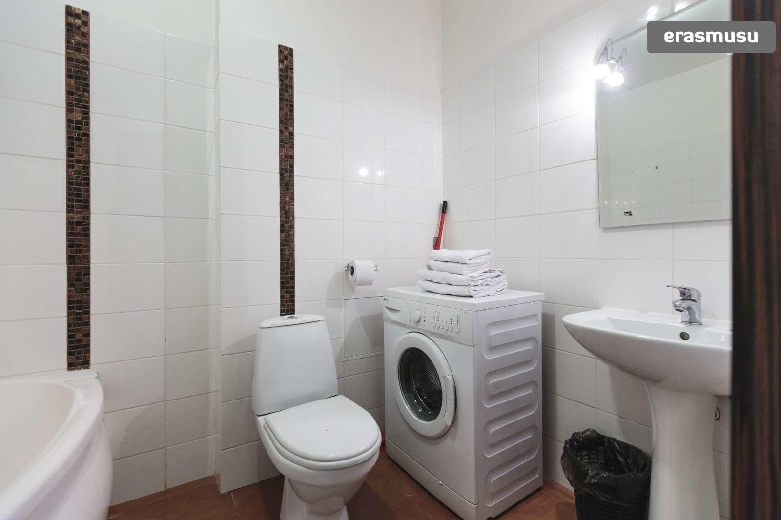 modern-studio-apartment-rent-maskavas-forstate-82f9def59a1bbd54e