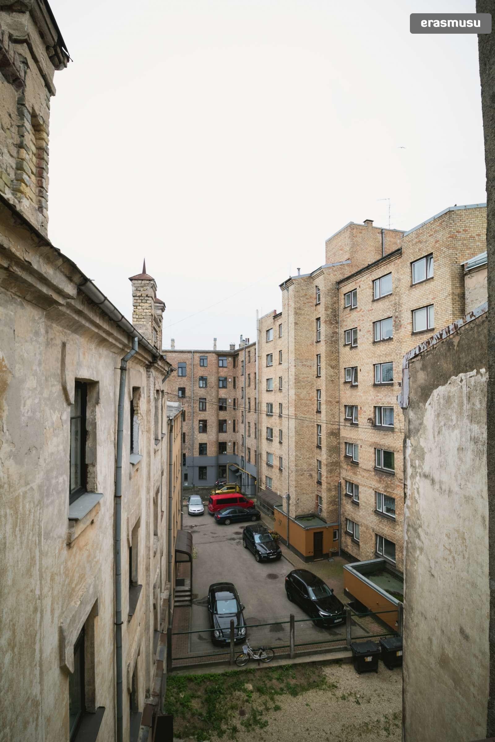 modern-studio-apartment-rent-maskavas-forstate-c39108d20067e6c0c