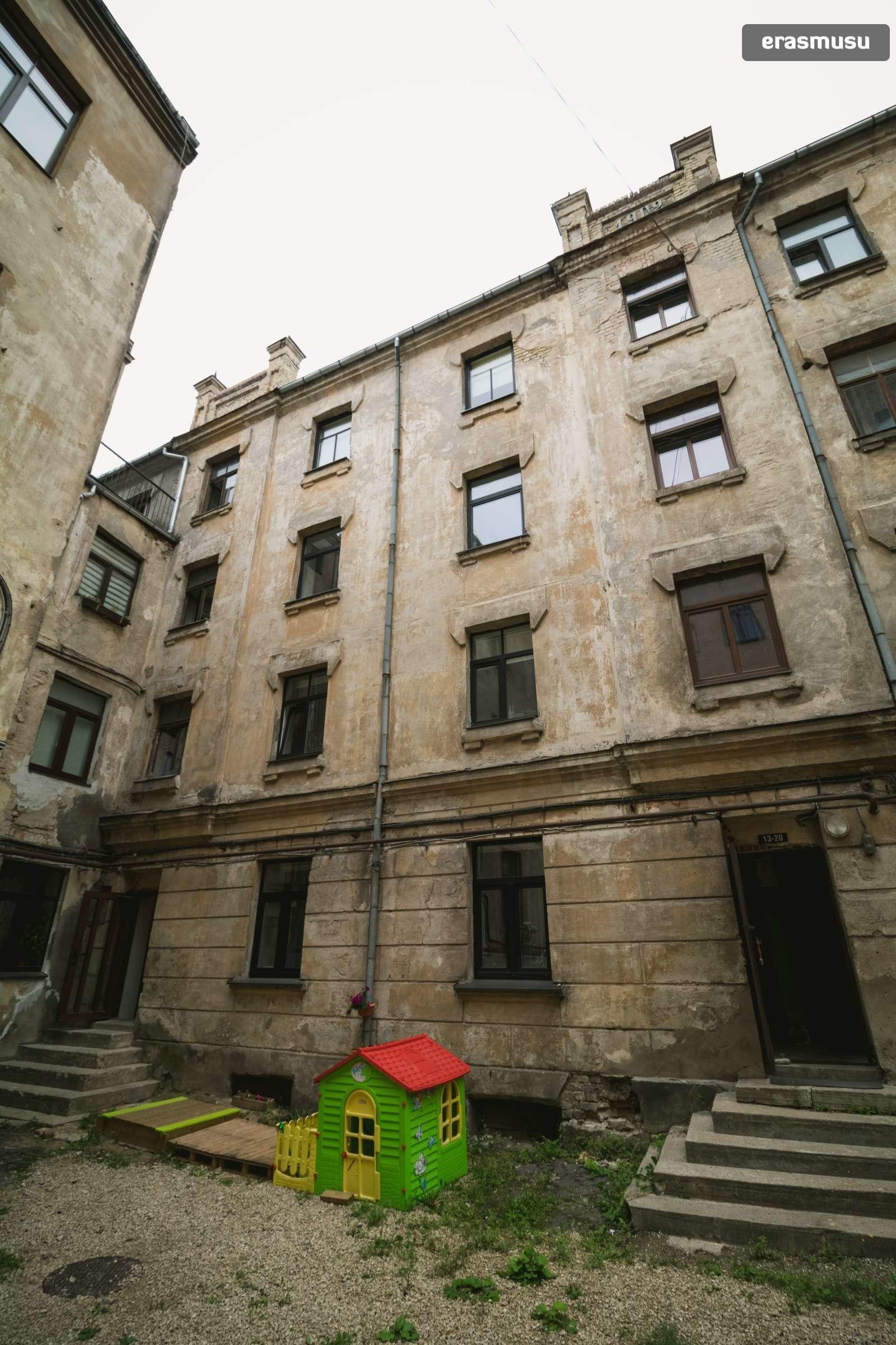 modern-studio-apartment-rent-maskavas-forstate-dc7582f92df4a24e7