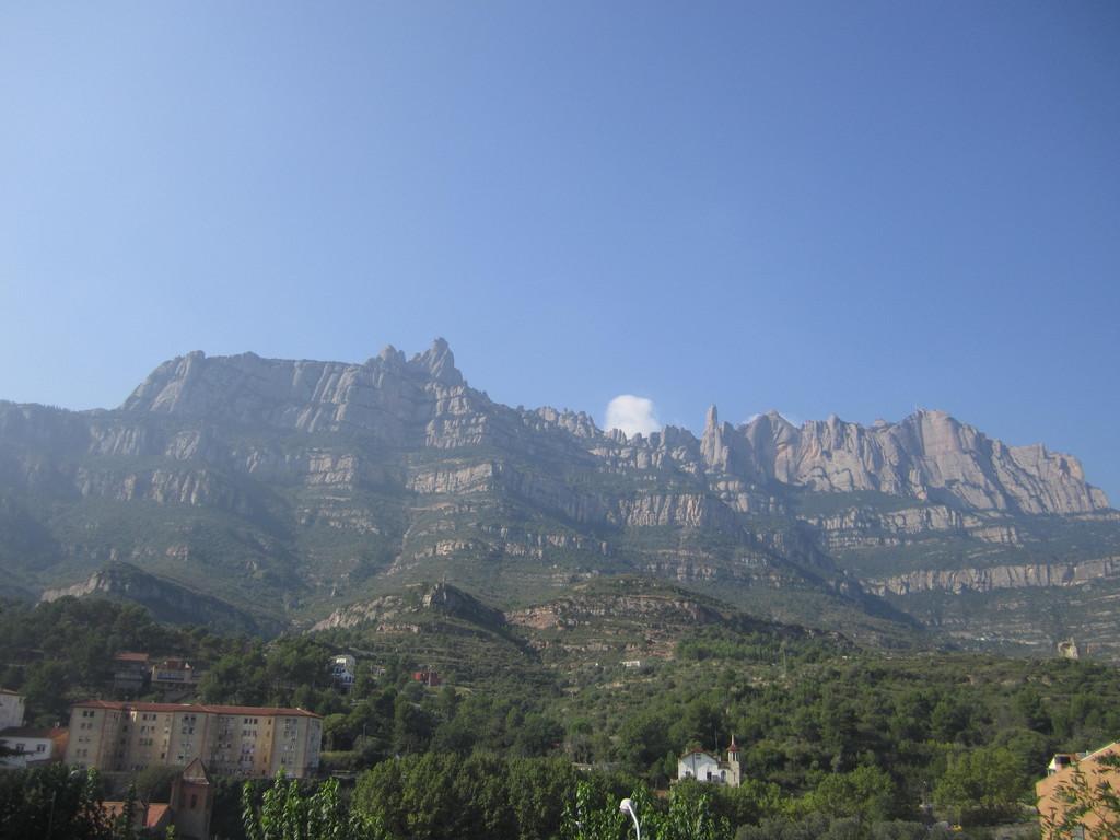 montserrat-mountain-d49b6b0e60cf923c21be