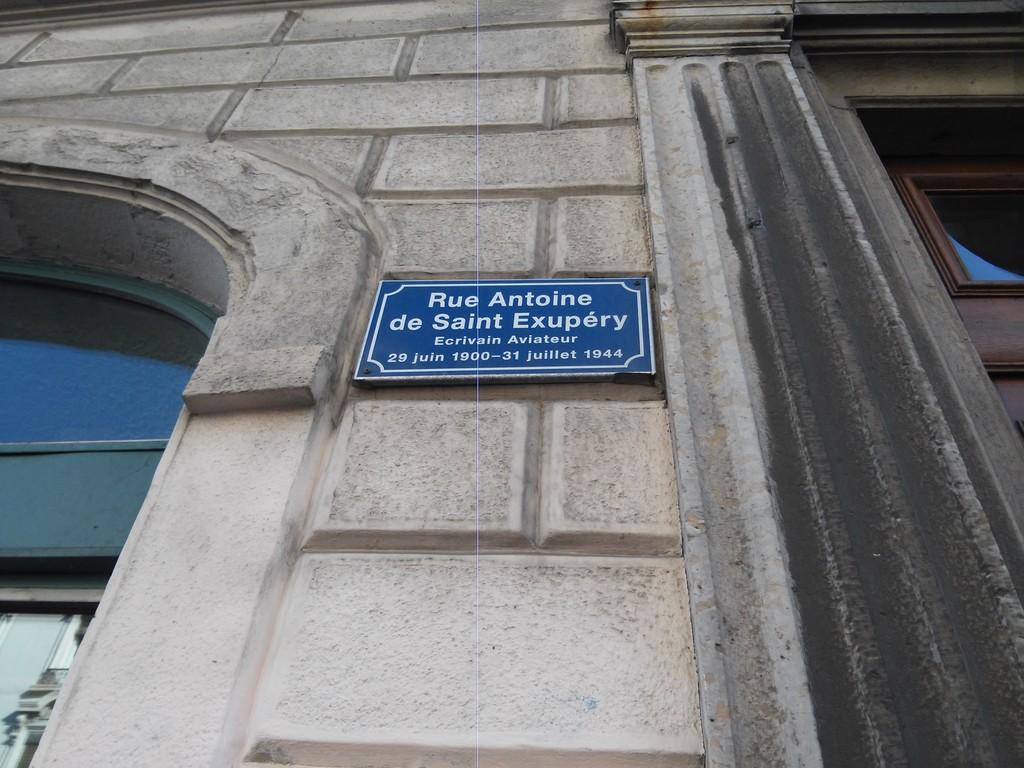 monument-a-antoine-de-saint-exupery-d3fd