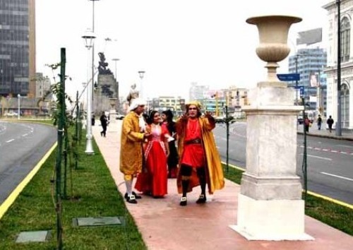 monumentos-lujo-medio-bullicio-limeno-ff