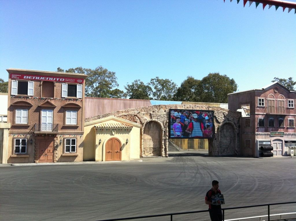 warner brothers movie world gold coast what to do in