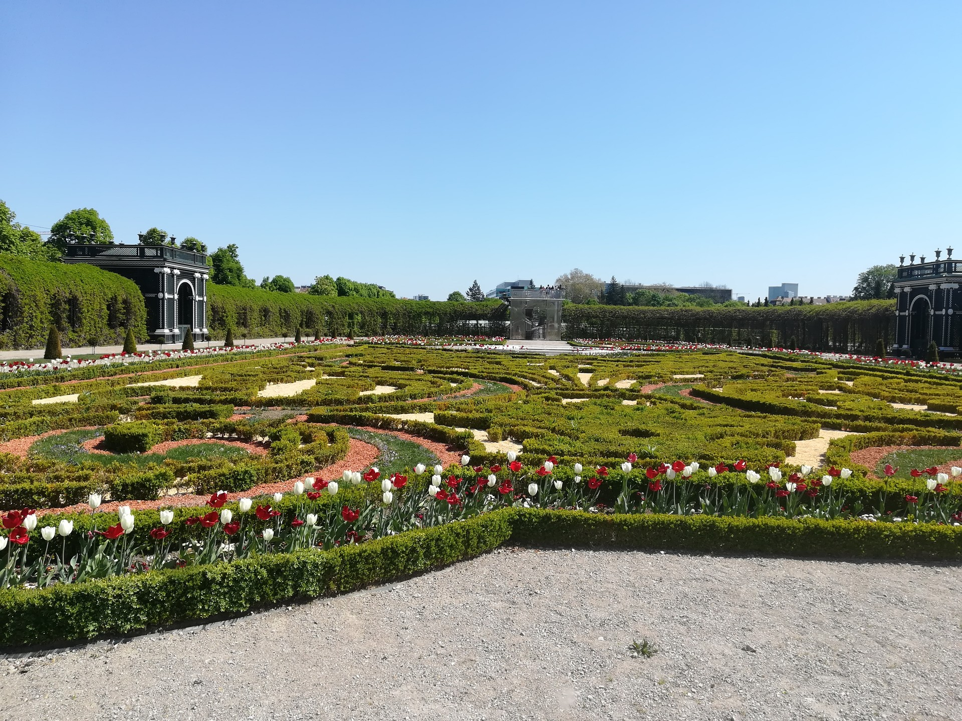Must tour on the Palace gardens