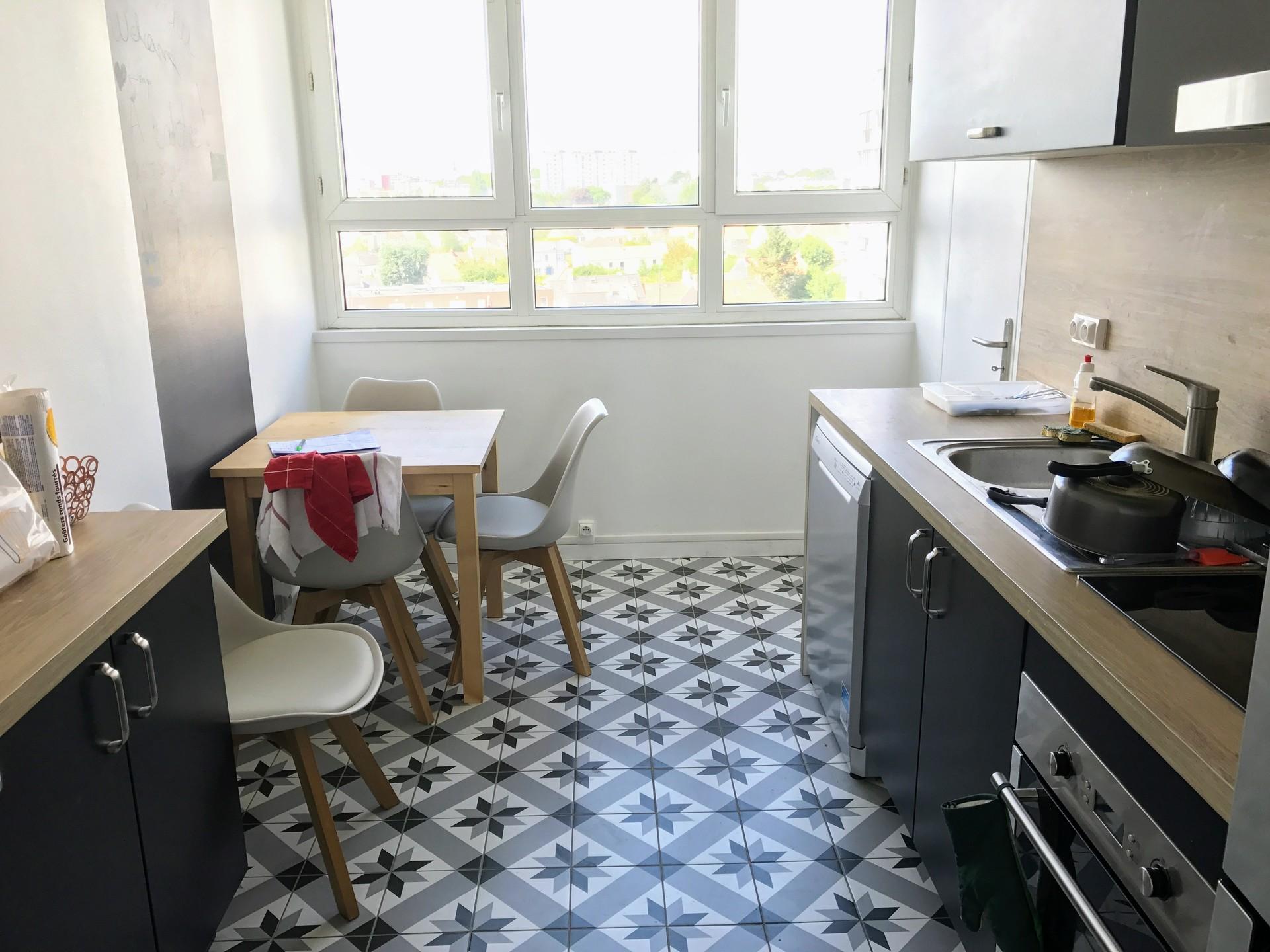 nantes chambre meubl e et r nov e avec parking location chambres nantes. Black Bedroom Furniture Sets. Home Design Ideas