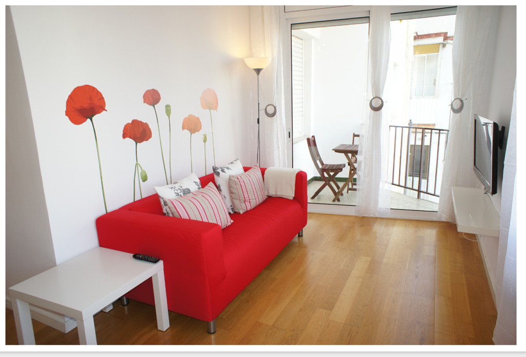 New & private room in a bright and spectacular flat