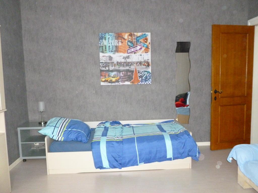 new-renovated-student-rooms-09a2365f2442c4f46346d38f4ca92dea