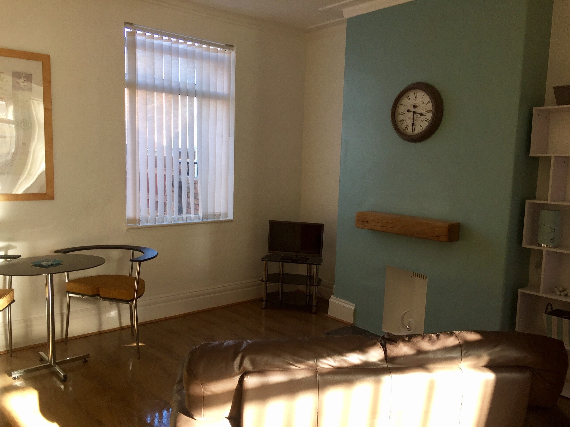 Newly Refurbished 2 Large Double Rooms to Let - No Deposit