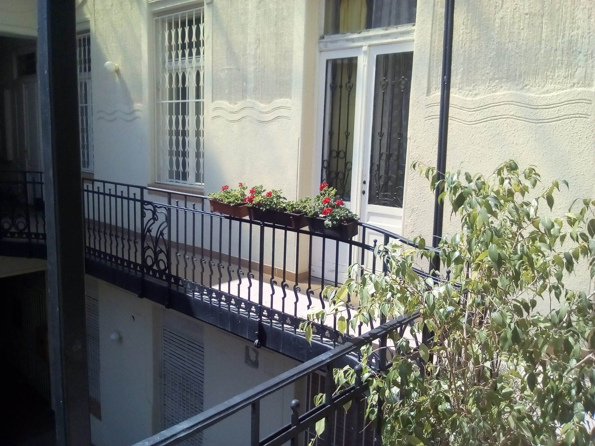 2 bedrooms apartment in the centre excellent location ...