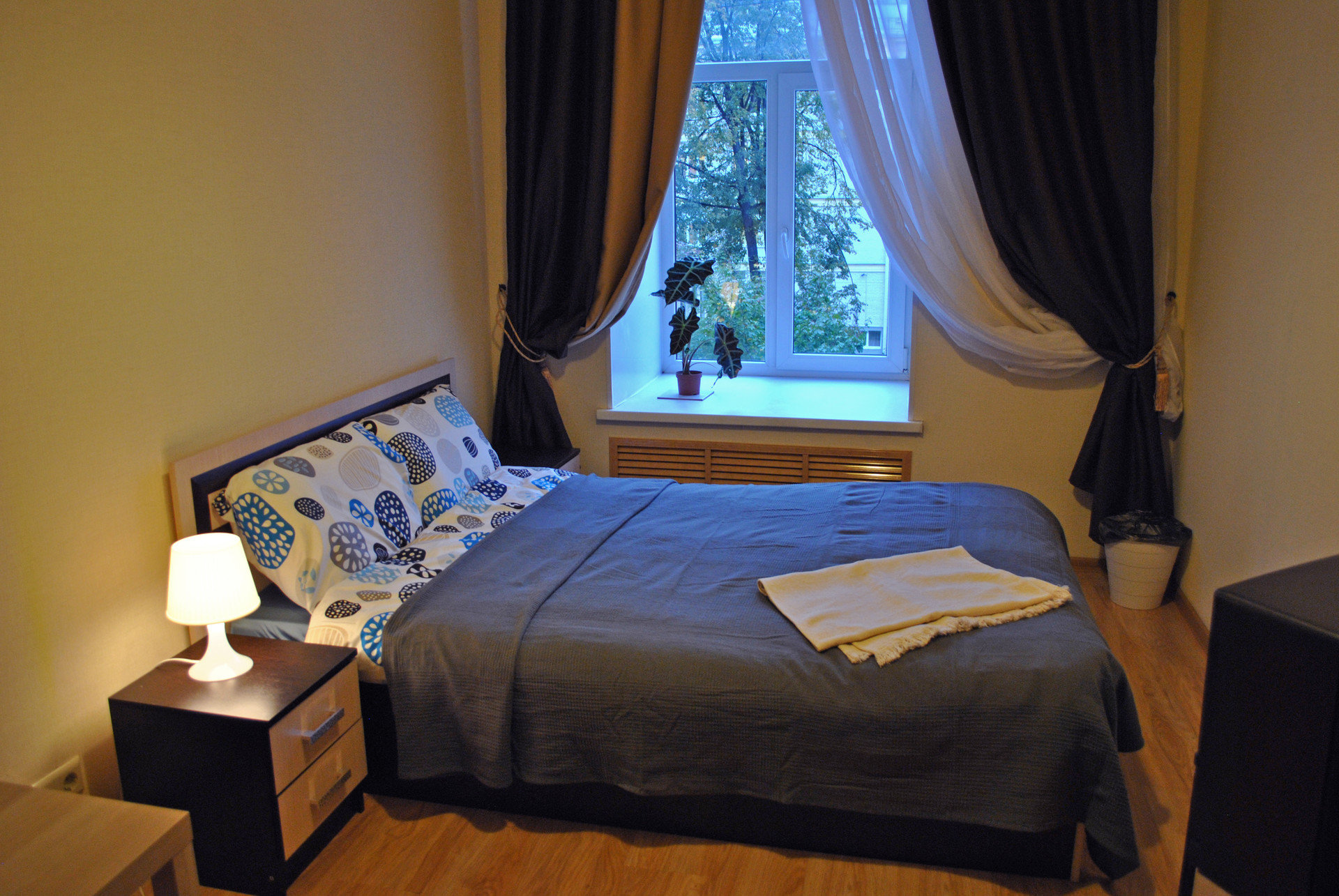 Nice And Cozy Room On Nevsky Avenue Room For Rent Saint Petersburg