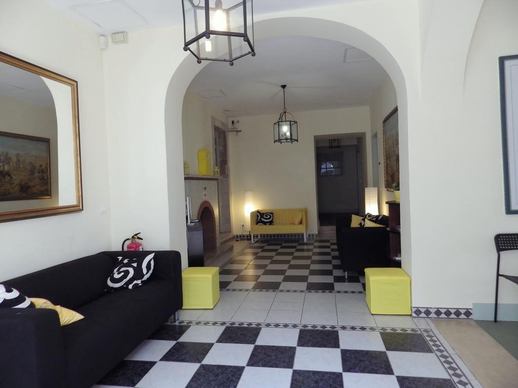 nice-double-room-central-lisbon-0e152700