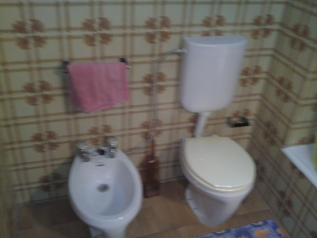 Nice individual room with double bed in an apartment in the cent