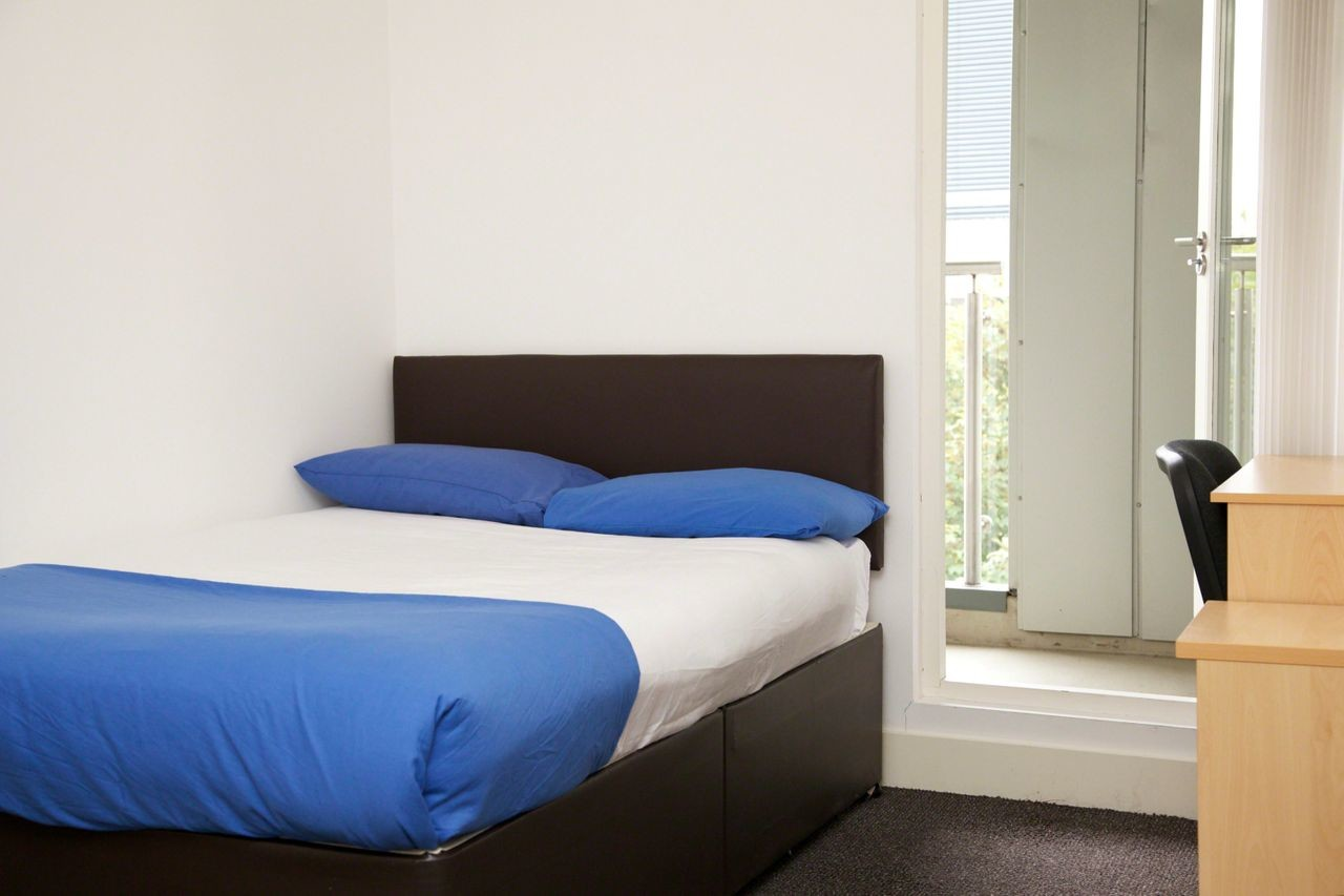 nice-quiet-room-shared-flat-central-manchester-67f8c83c616918d060c33bba55623e74