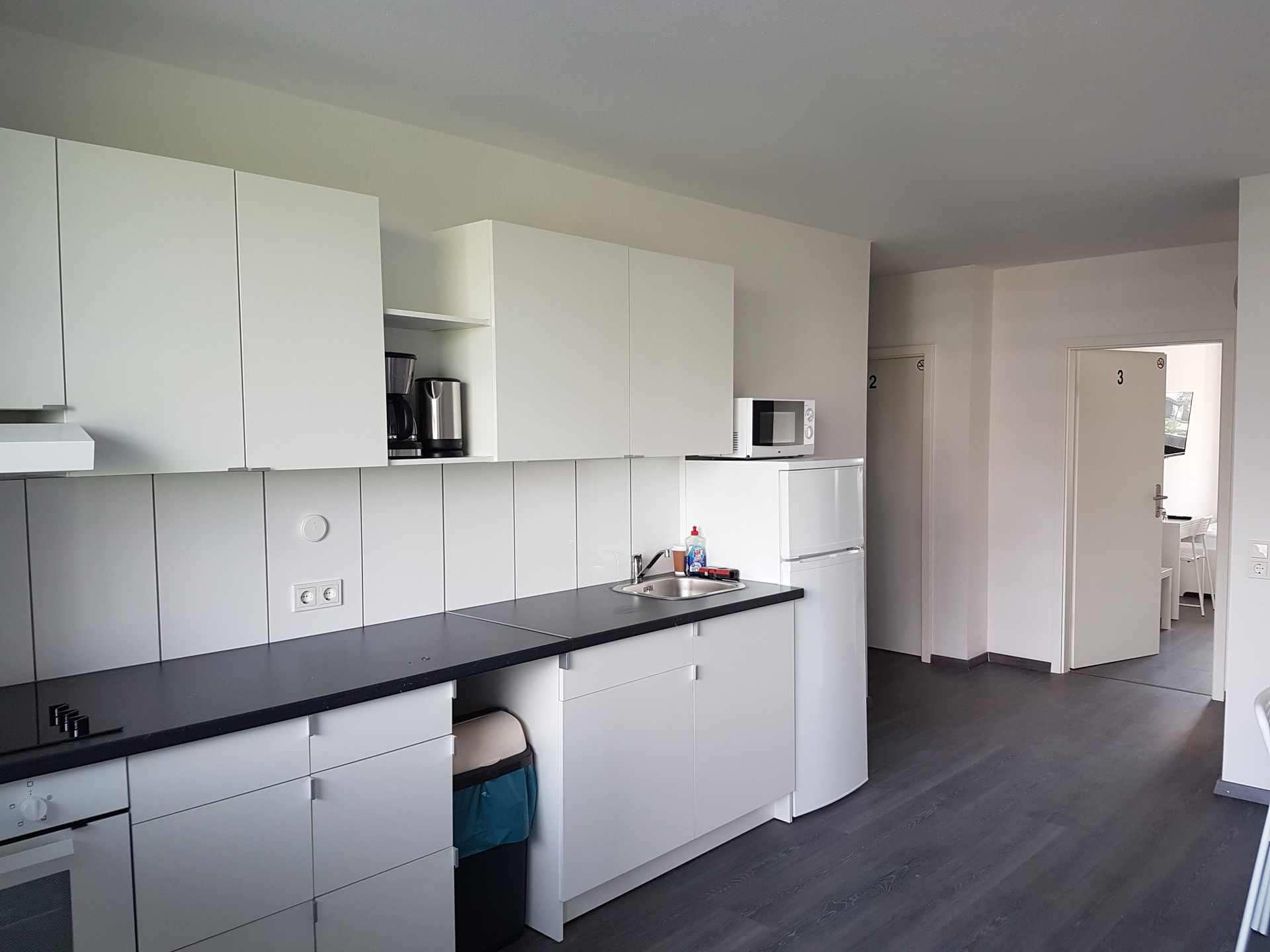 Nice ready furnished room with TV and Wifi in Cologne