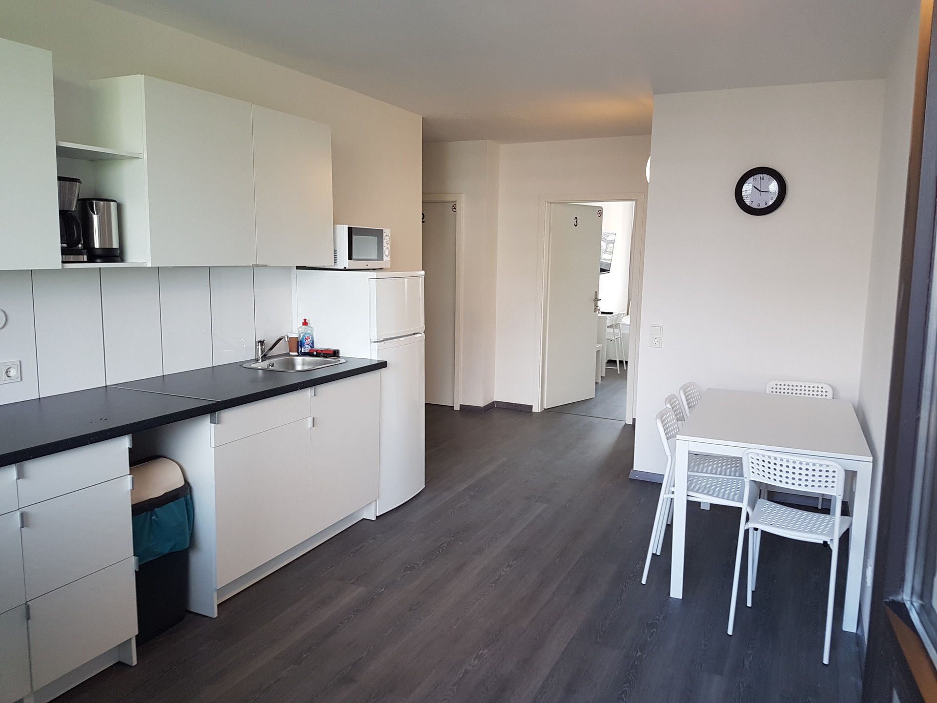 Nice ready furnished small room with TV and Wifi in Cologne