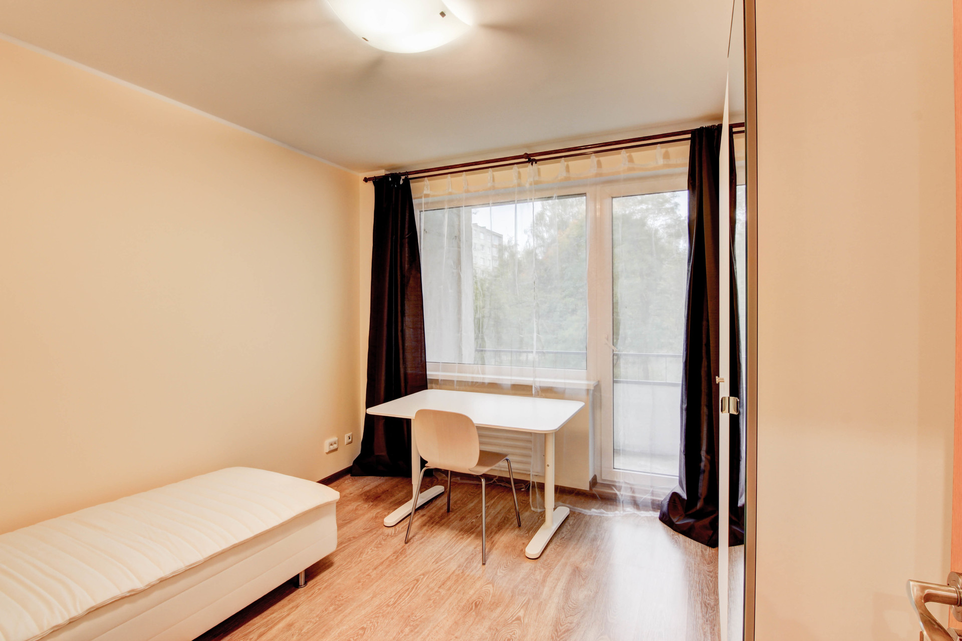 Nicely renovated room in 5-room apartment near the universities