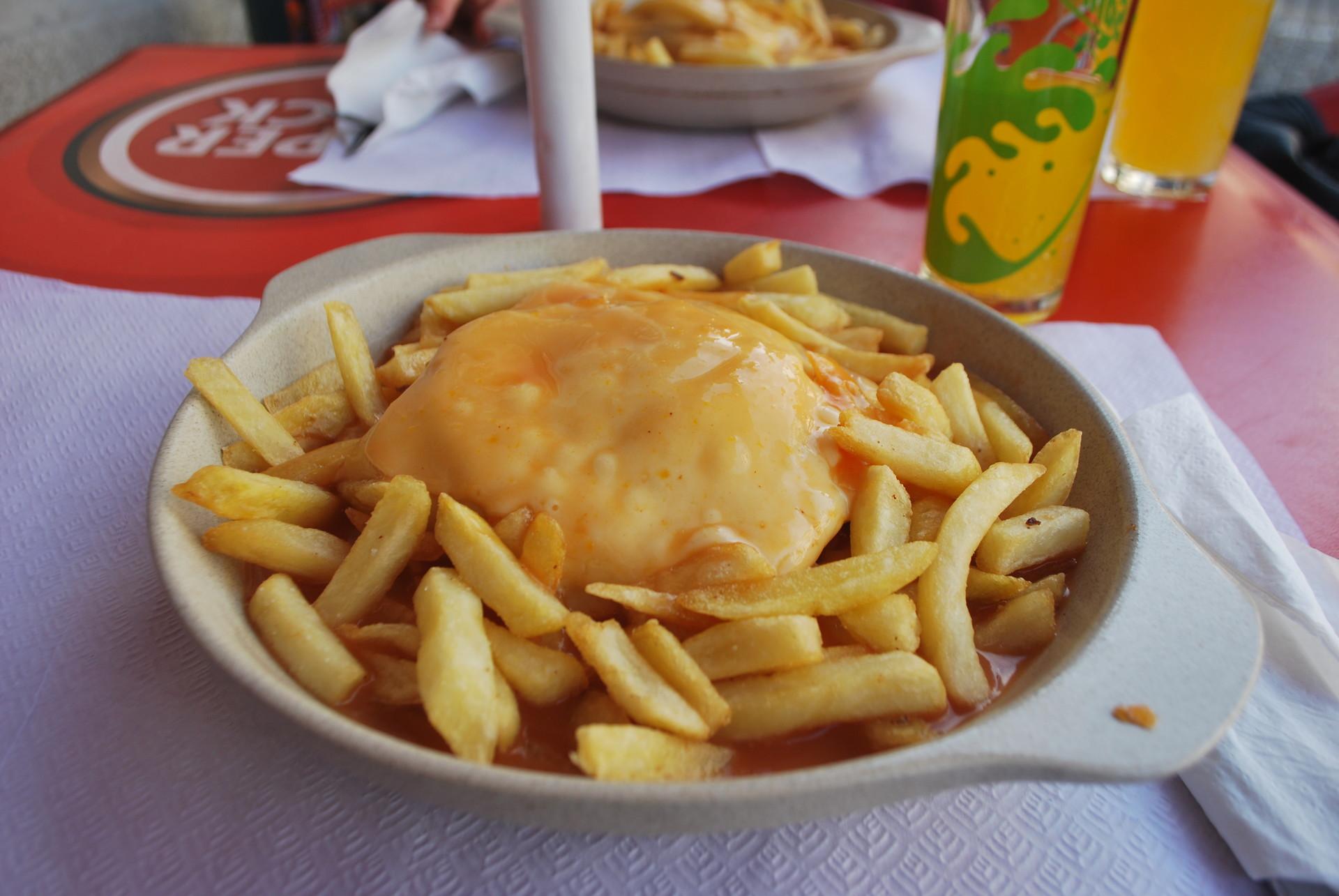 nietypowy-fasto-food-francesinha-porto-8