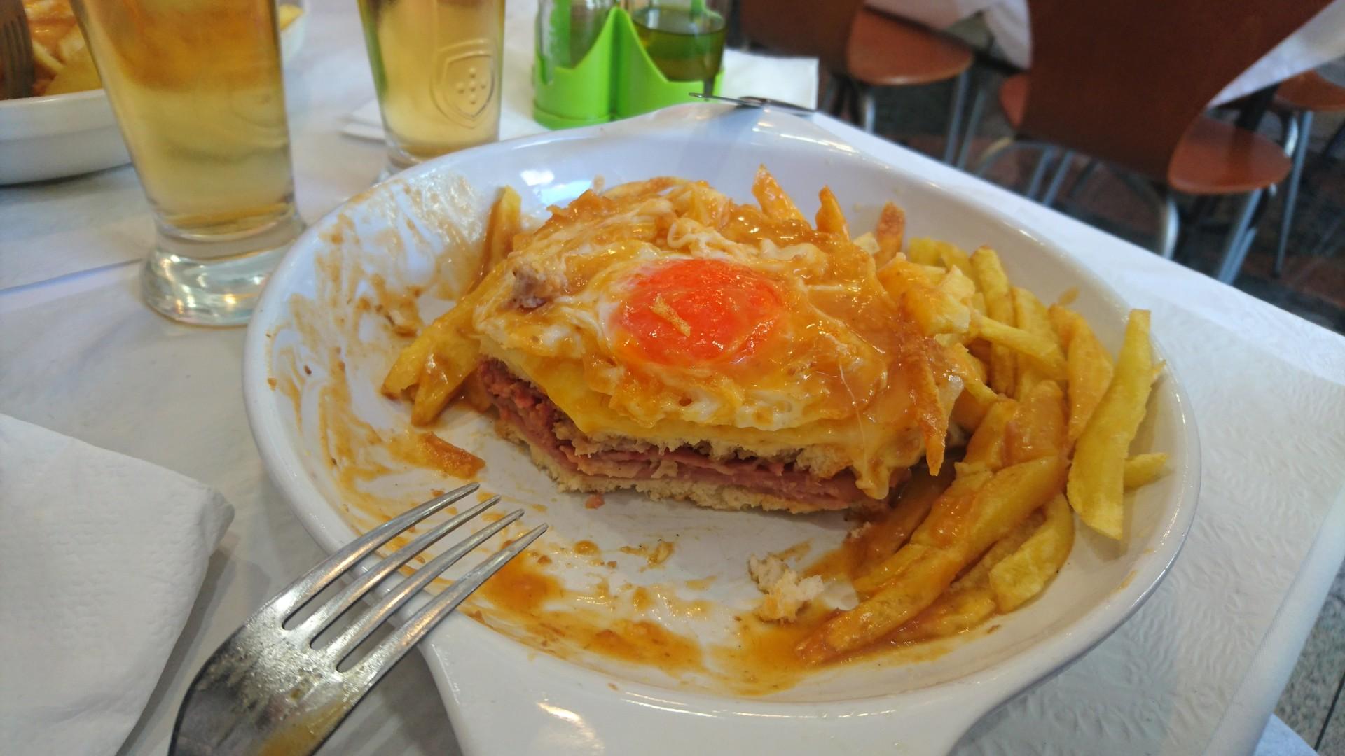 nietypowy-fasto-food-francesinha-porto-a