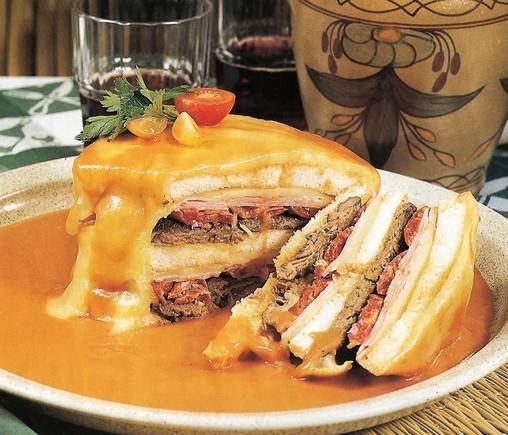 nietypowy-fasto-food-francesinha-porto-b