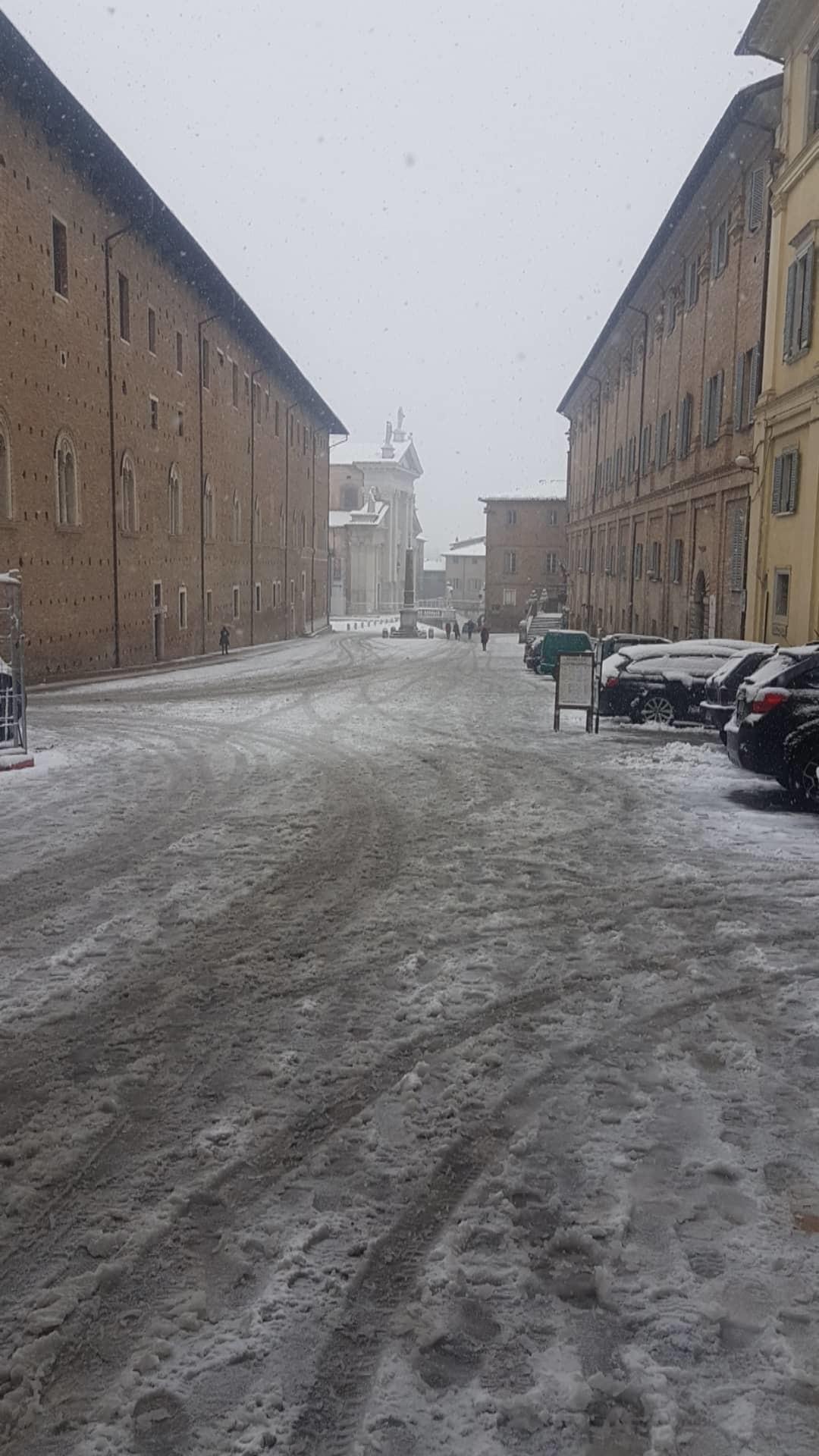 Nieve en Urbino.