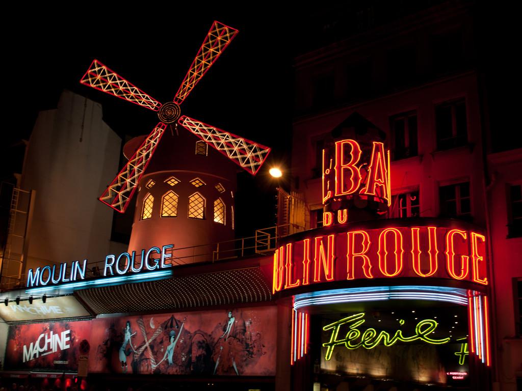 Worldly Decor Night In Paris Moulin Rouge Foto Erasmus Par 237 S