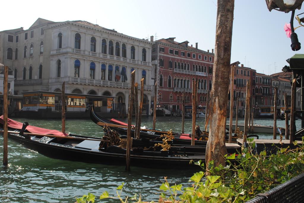 no-se-a-venecia-no-se-sube-gondola-cc293