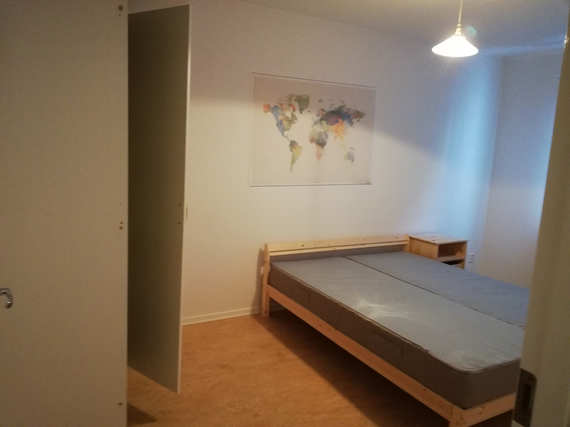 Normal size roon 18 Sq meters for rent in Stockholm
