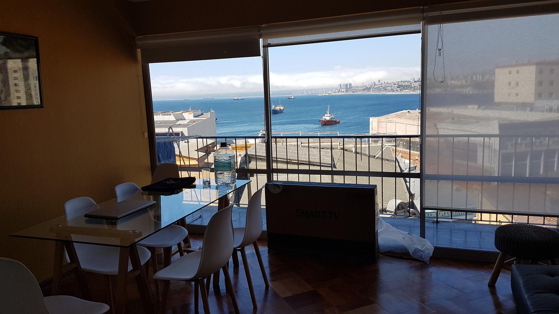 Ocean View In The Center Of Valparaiso Bank Restaurantsbars Bus