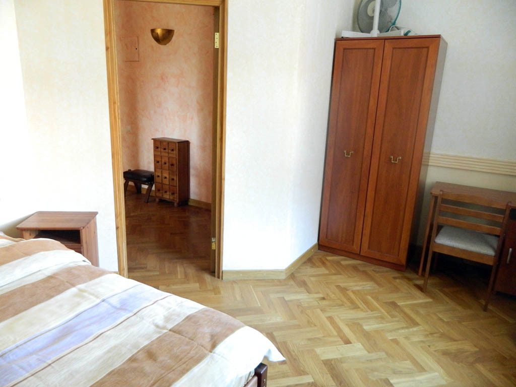 Old Town sunny apartment at St.Peters church